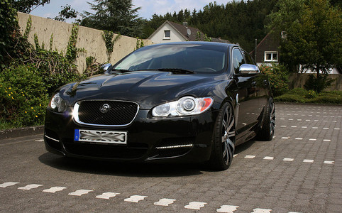 alufelgen news jaguar xf mit 9x21 zoll lombartho lx black. Black Bedroom Furniture Sets. Home Design Ideas