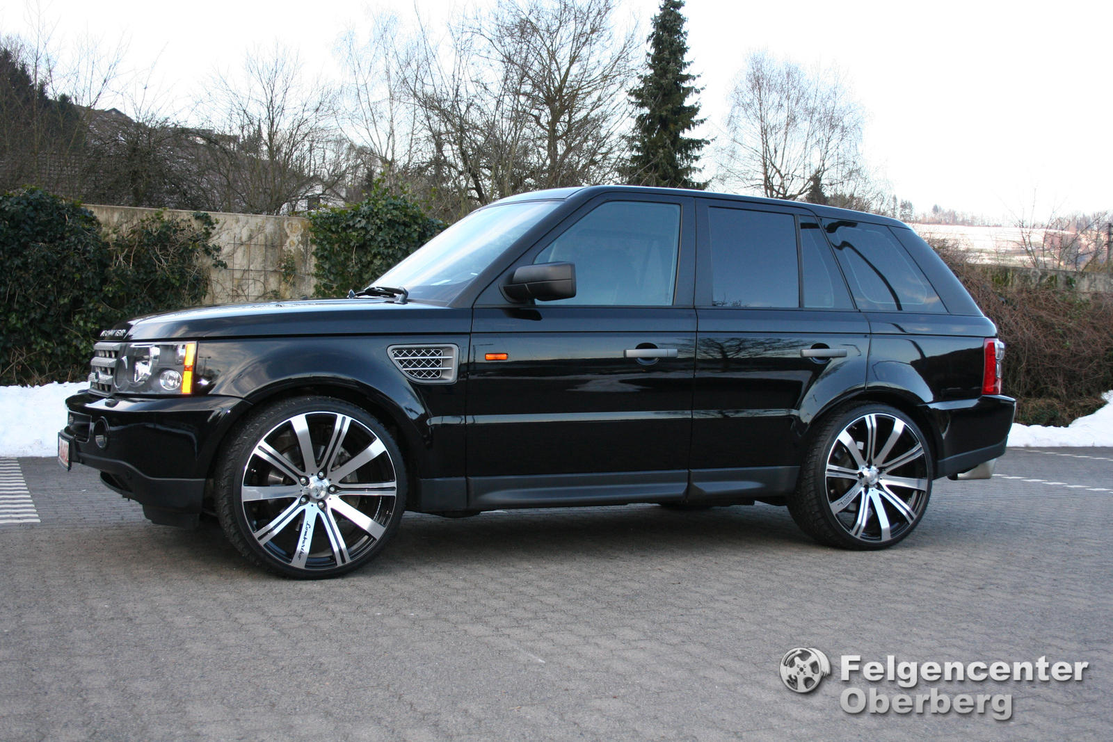 alufelgen news range rover sport mit 23 zoll. Black Bedroom Furniture Sets. Home Design Ideas